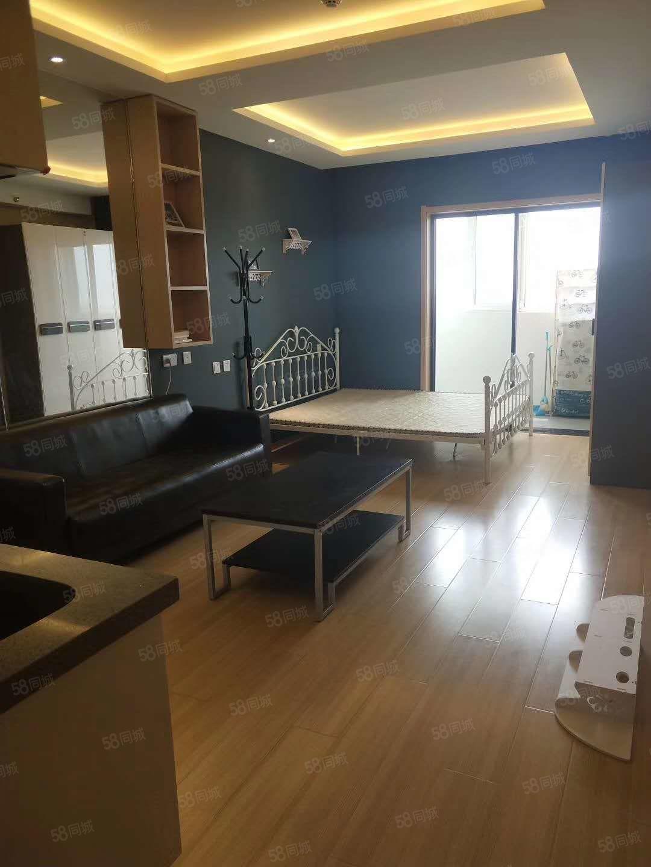 急售,大阅城精装50平米公寓,40万送全套家具家电,随时看房