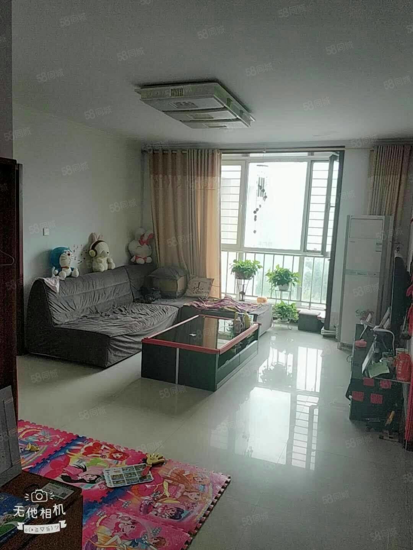 安慧南区5/6楼3室精装修158平带有车库130万