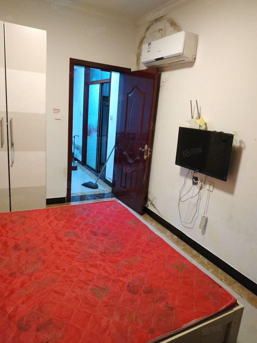 海燕鑫聚11楼2室1厅精装家具家电齐全月租1000元