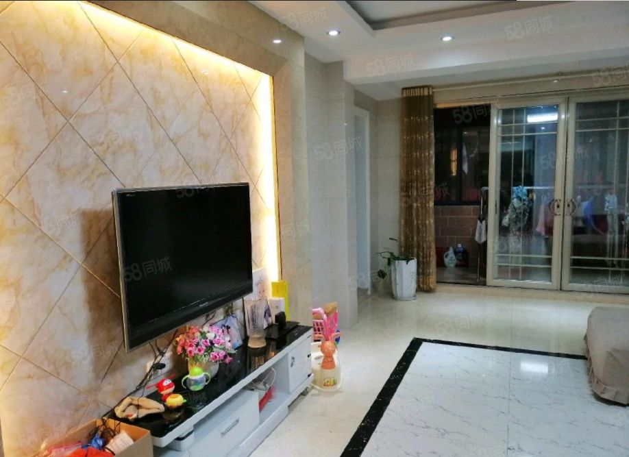 上明珠上外中长江花城四期精装修中楼层3室2厅1卫实际面积更大
