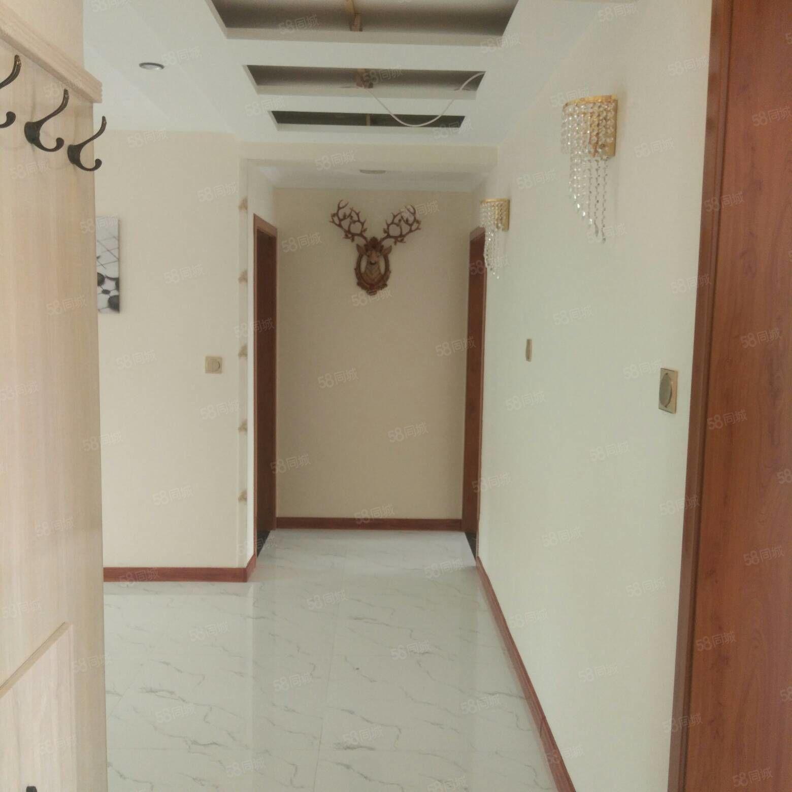 南关小区5楼,114平米,三室两厅,三向阳,精装地暖,