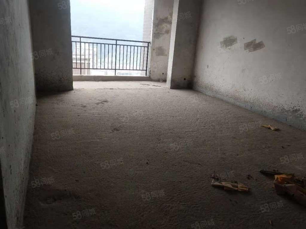 电梯房,价格便宜,县城中心地段