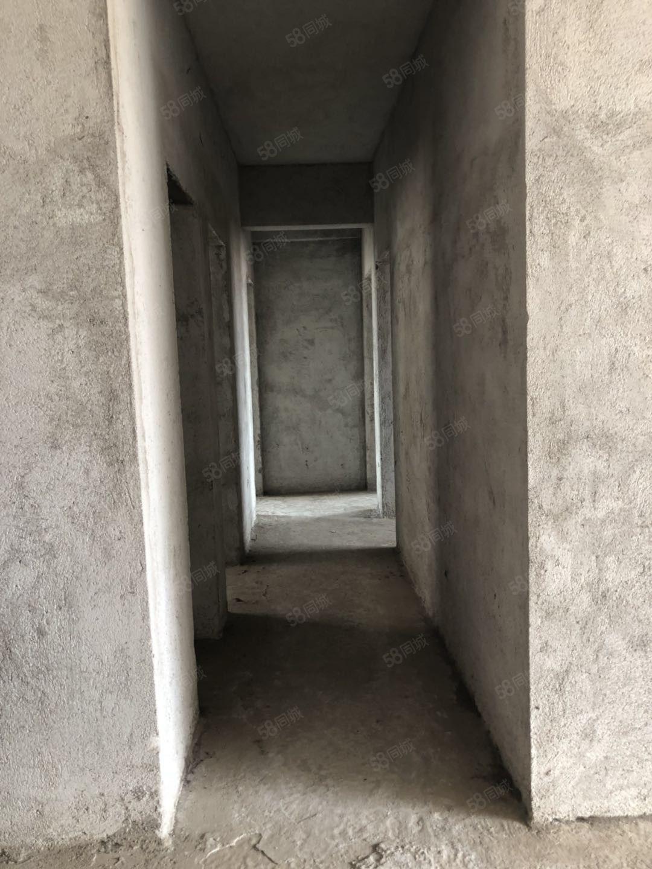 一小學位,花園小區,電梯毛坯三房兩廳,僅售75萬