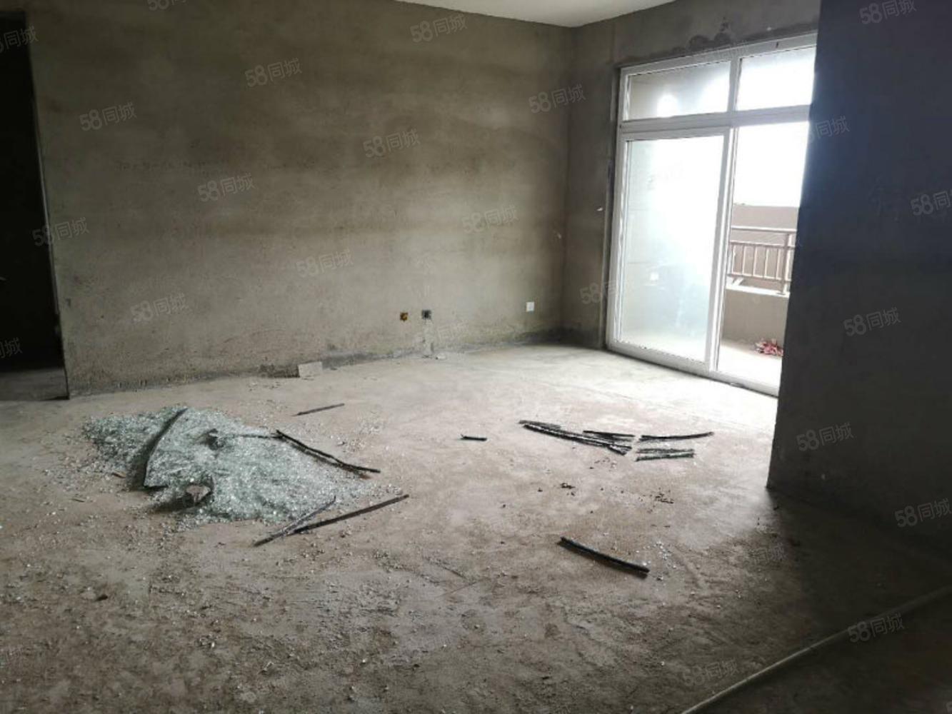 博士名城双学区,114平三房,证齐可按揭,送超大露台