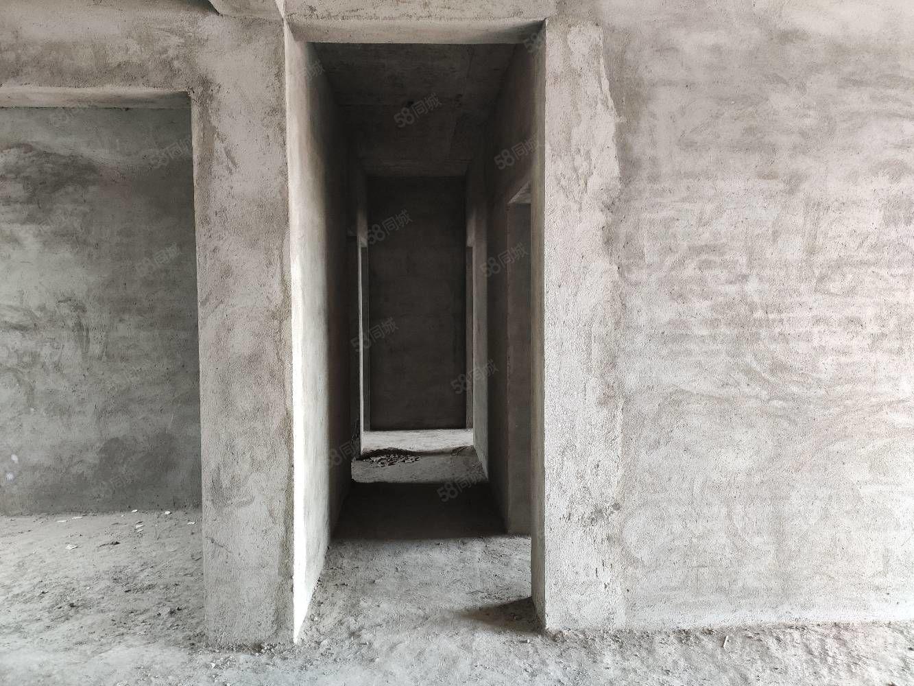 矿务局小区房2012年建3房2厅1卫商品出让土地真实