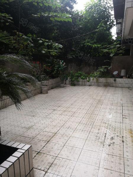 滨河花园一楼带花园适合老年人居住