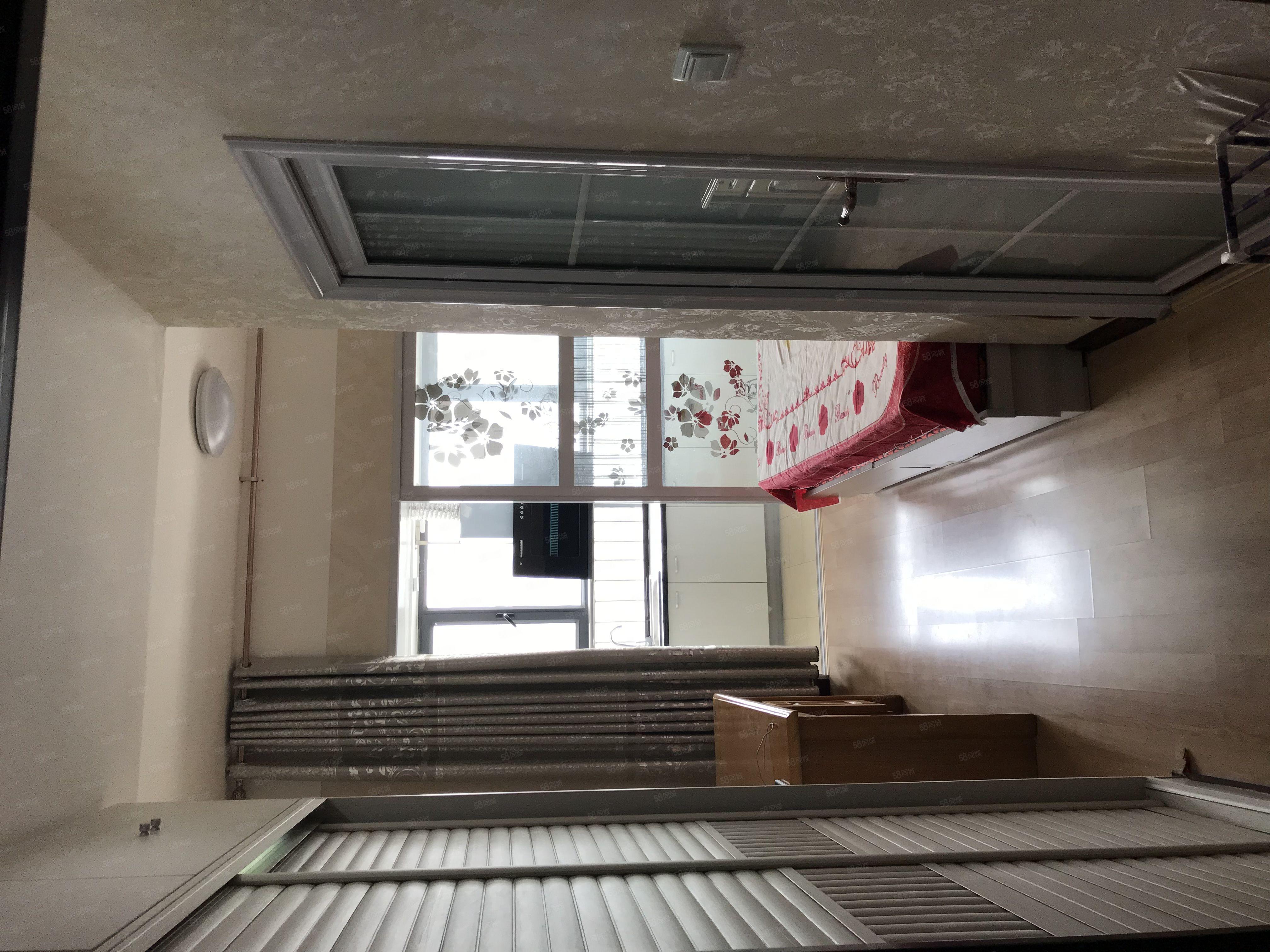 新开元花旋荟公寓,1室1厅,精装修,家电齐全,拎包入住!