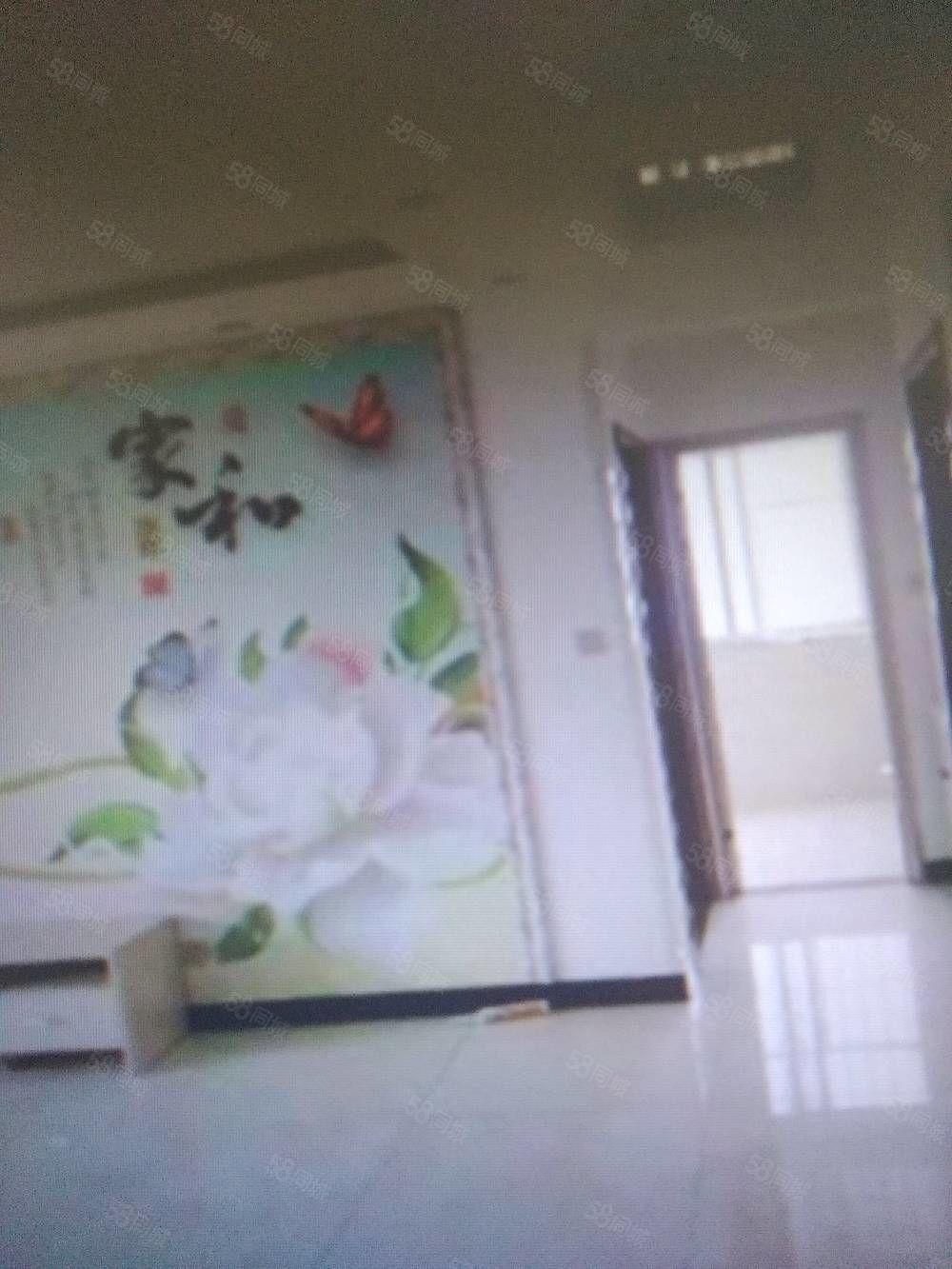 美郦山三室两厅两卫,地段繁华,干净卫生,拎包入住