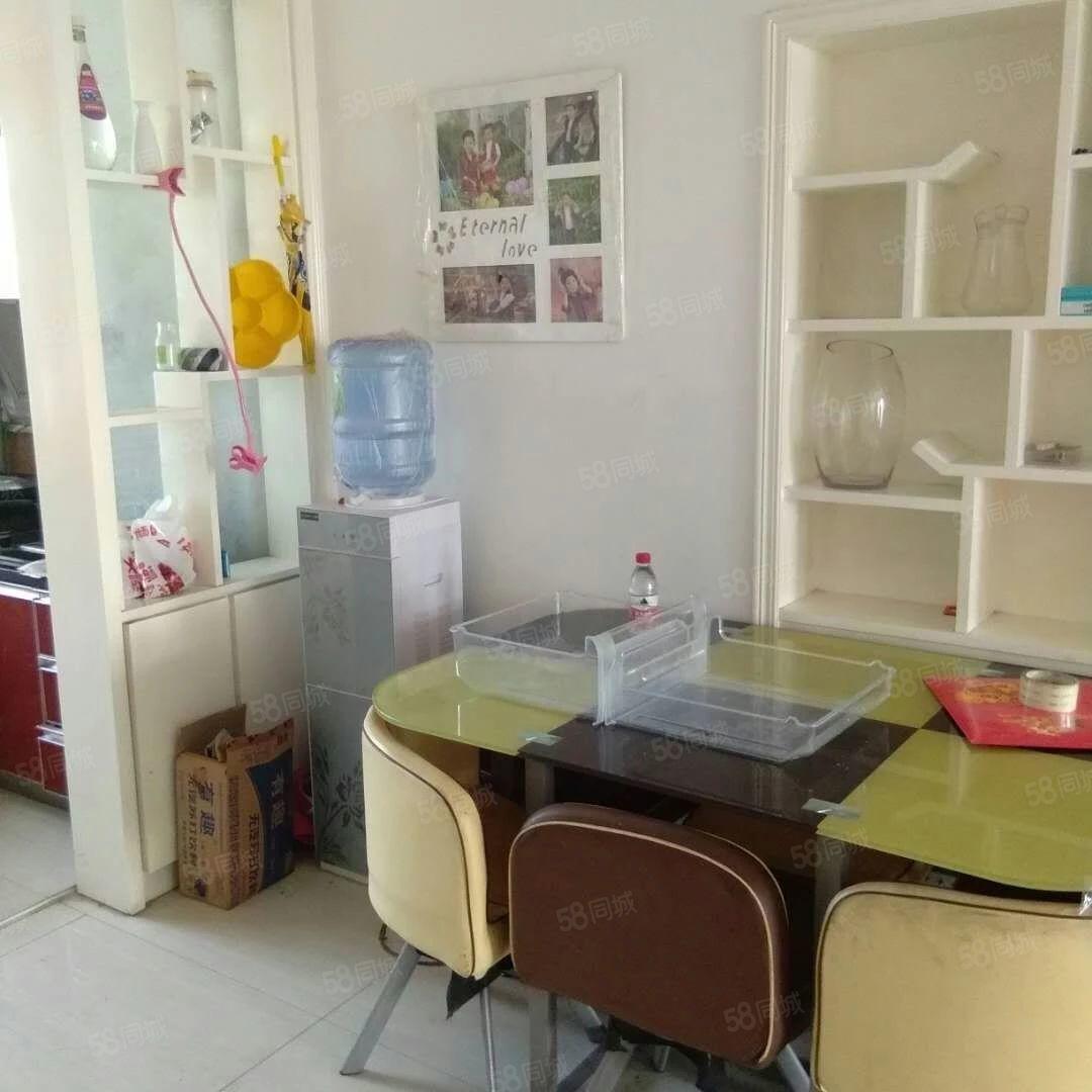 清水湾3楼3室2厅1卫128平米精装55万