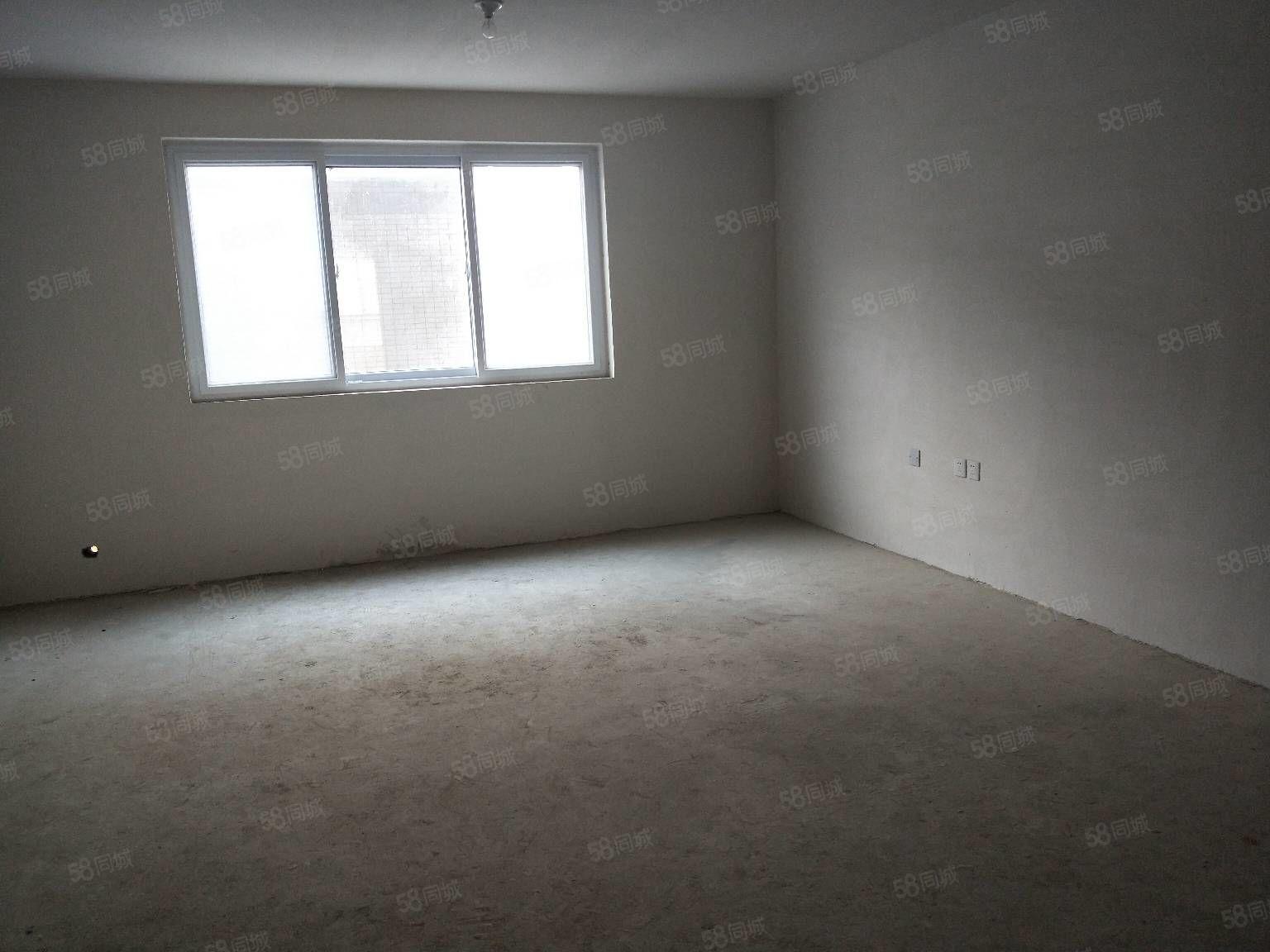 冠亚B区8楼133平全款80万