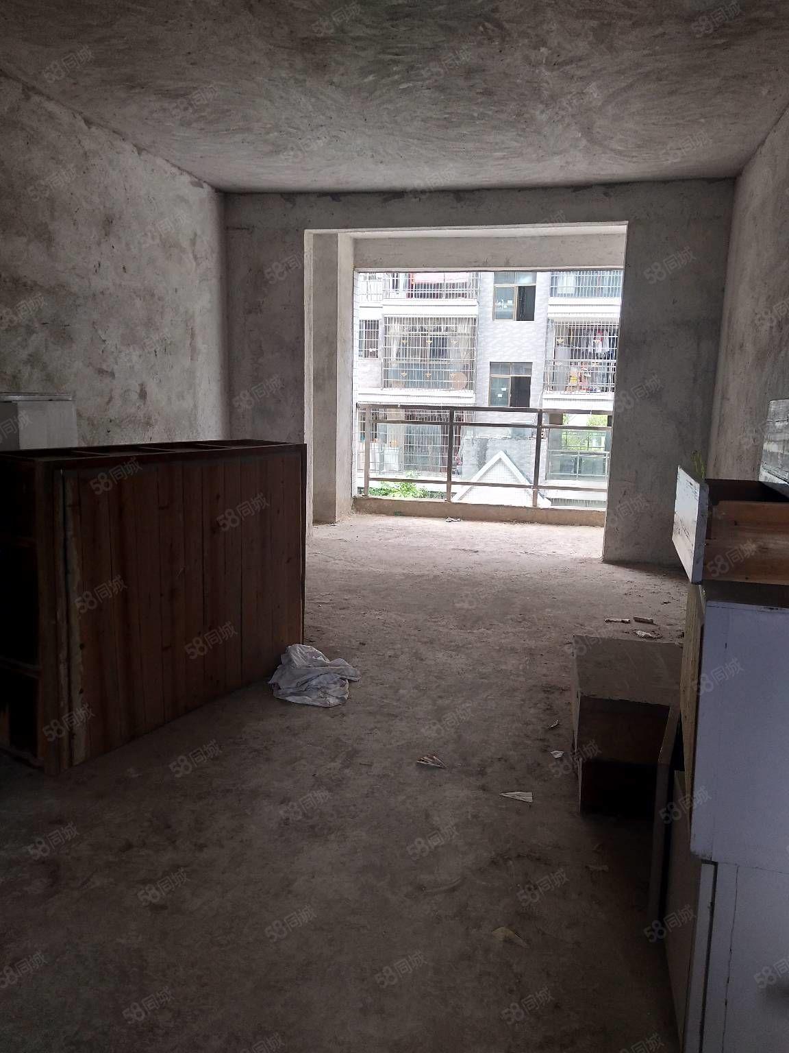 开启精彩生活从买房开始!博大新城城中心位置楼层好三楼采光价