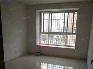 冠亚e区125平,3室2�兀�证过五年,简装修,新房从未住过
