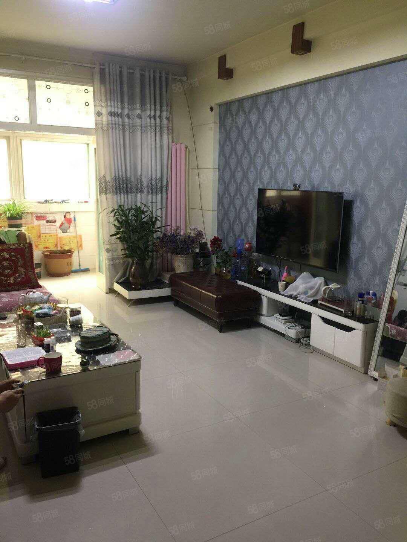 南韩花园3室2厅1卫装修拎包入住出售