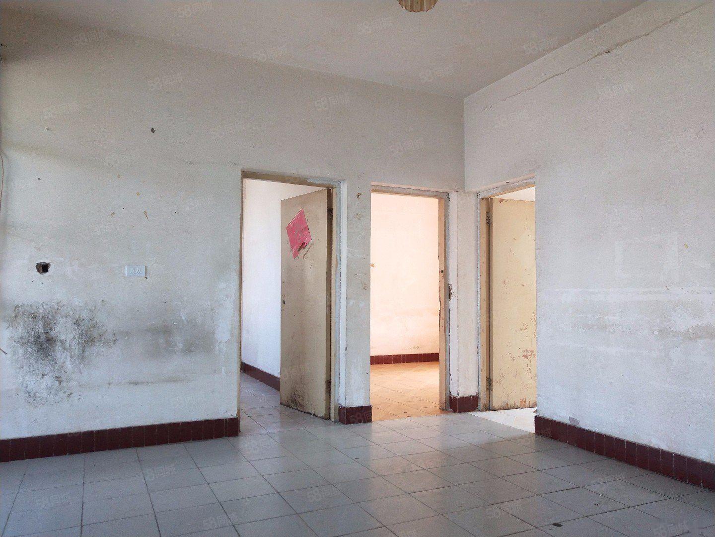 龙马酒店旁边红塔食品厂79.851万3室2厅1卫