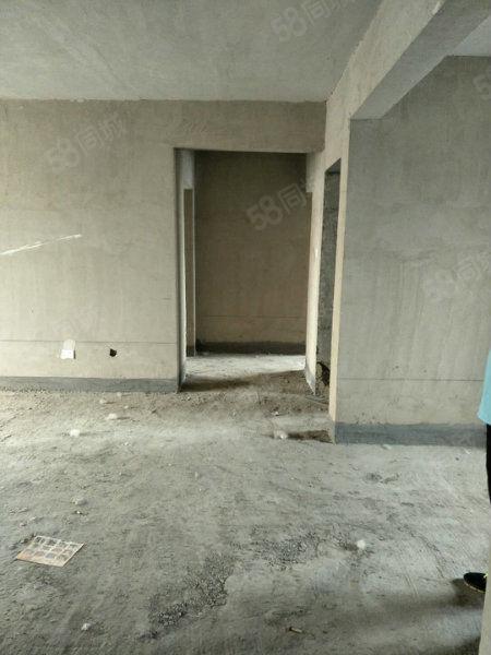 绿叶首推!五洲国际官邸三室两厅双阳台毛坯随意装修价格可议