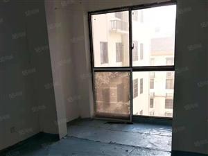 天润上层3室2厅,户型方正,交通方便,有钥匙,随时看房