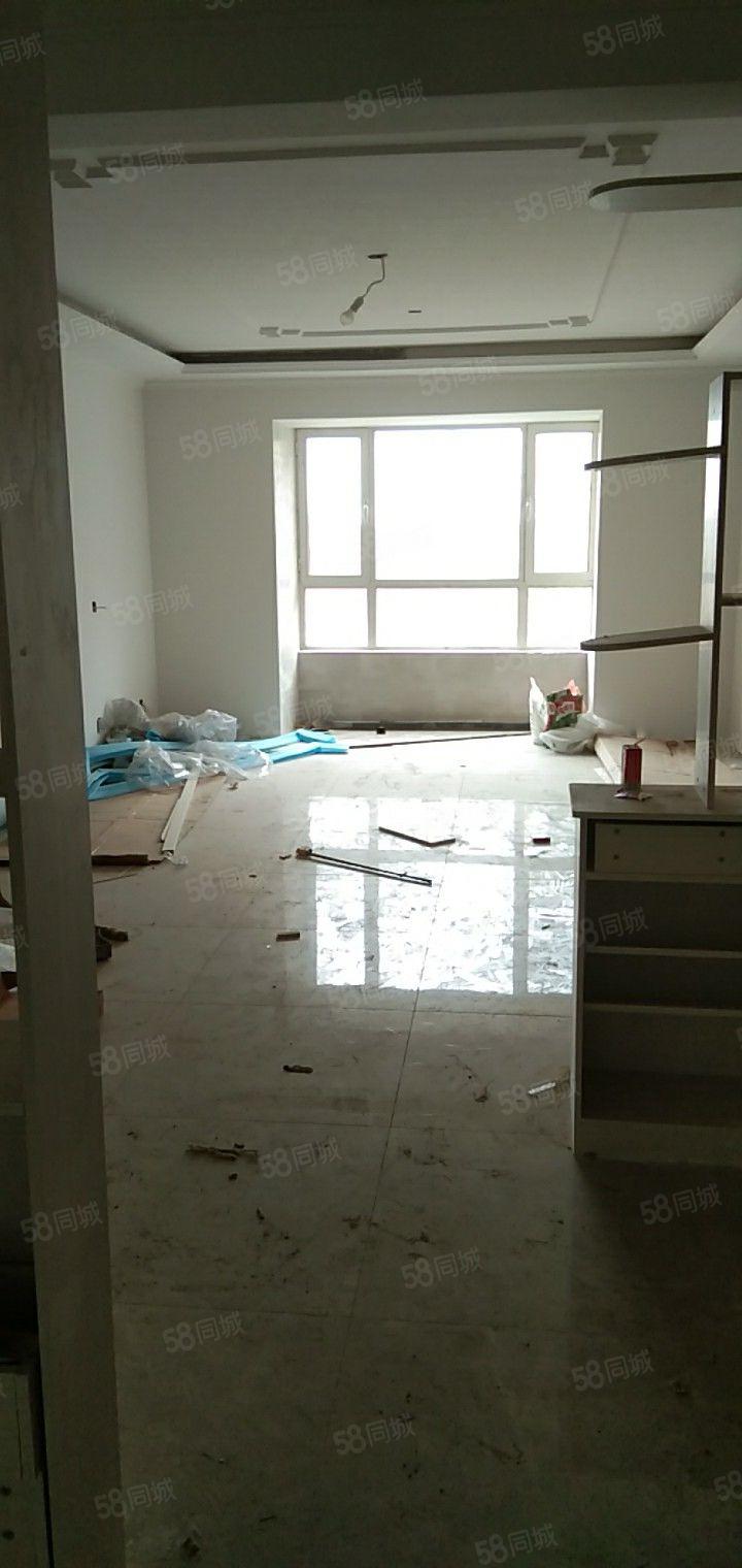 此房源在恒基碧苑大產權,室內裝修基本完工,