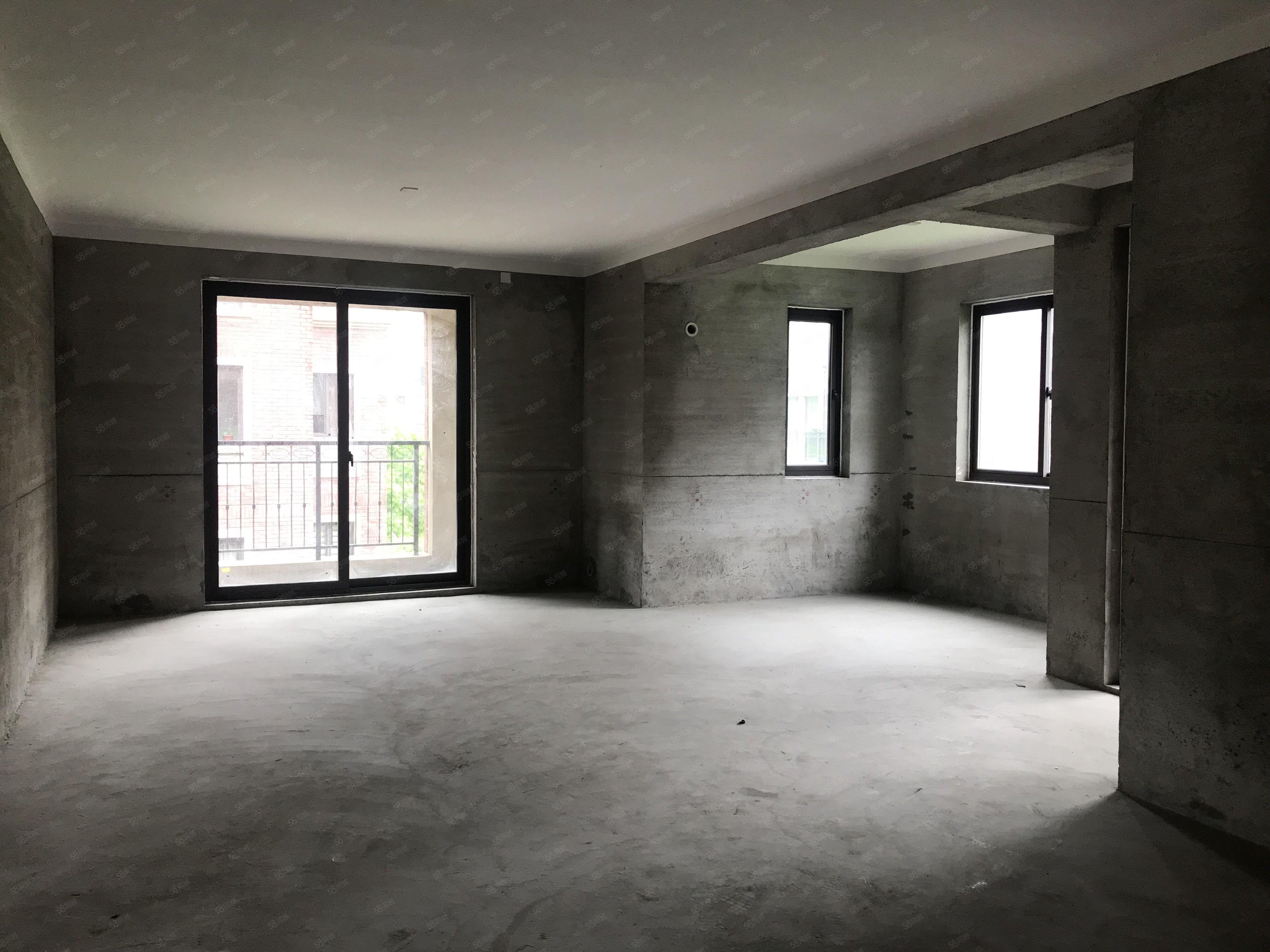 德信一里洋房3个阳台边套户型