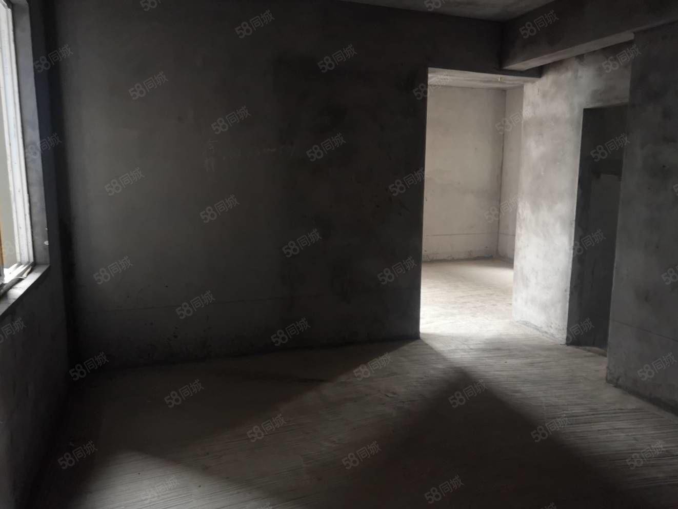 万福旁希尔顿公馆2室房子电梯高层价格33万