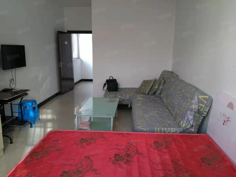 汉中中心广场附近多套1室和1室1卫和1室1厨1卫有家俱热水器