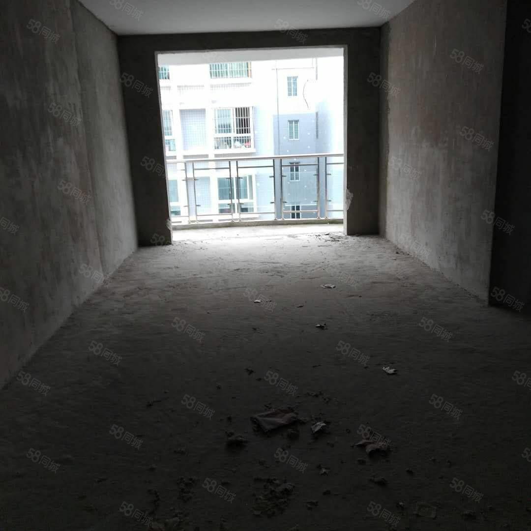 出售龙里锦绣花园电梯7楼128平3室2厅售价49万
