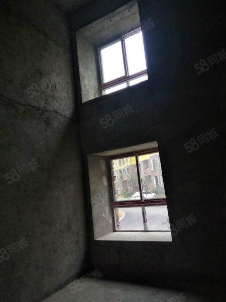 松桃希望城步梯房一楼,可隔层两层复式楼,性价比超高