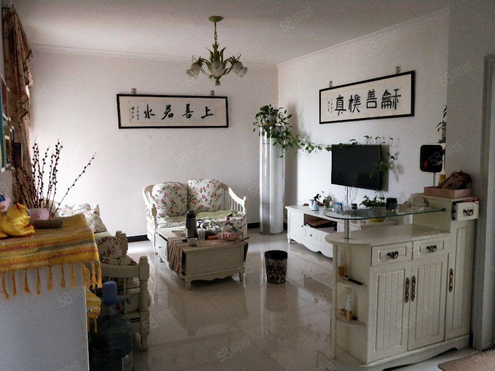 滨江国际装修小三房有证可按揭94平3室2厅1卫