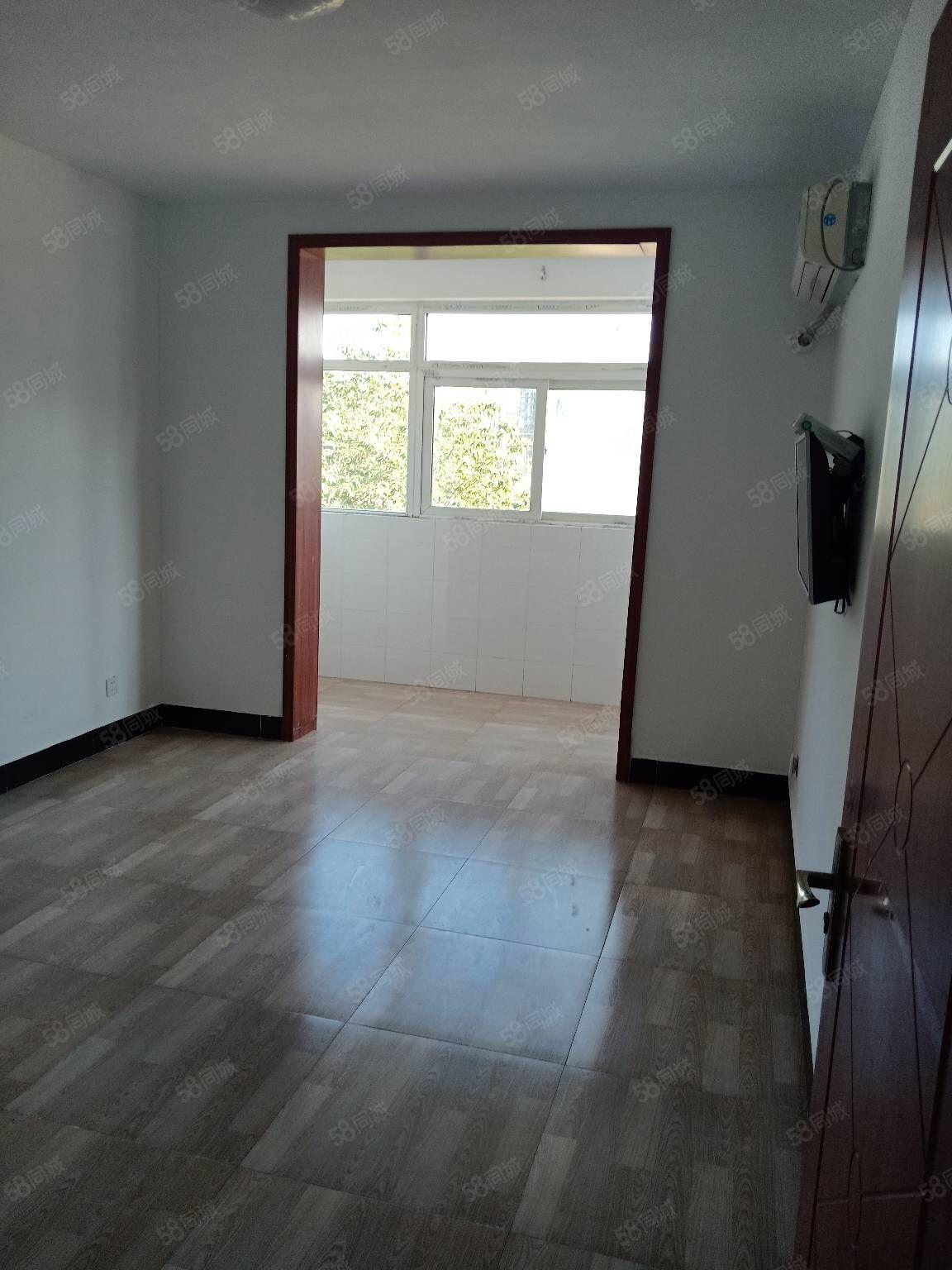 龍山莊園兩室簡單裝修,南關雙學區,周邊配套齊全,
