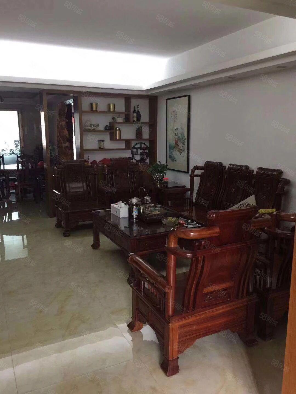 海悦名庭4楼129平方3房2厅2卫高档装修售122万