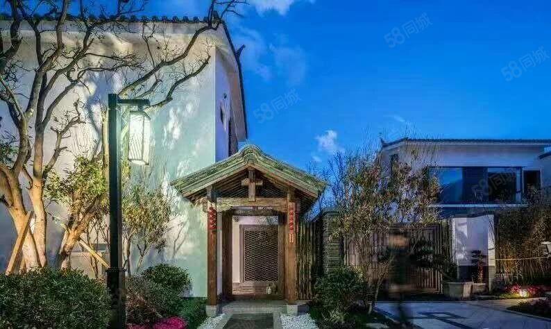 出售带入户花园通地暖天然气,离大理古城800米精装小院子