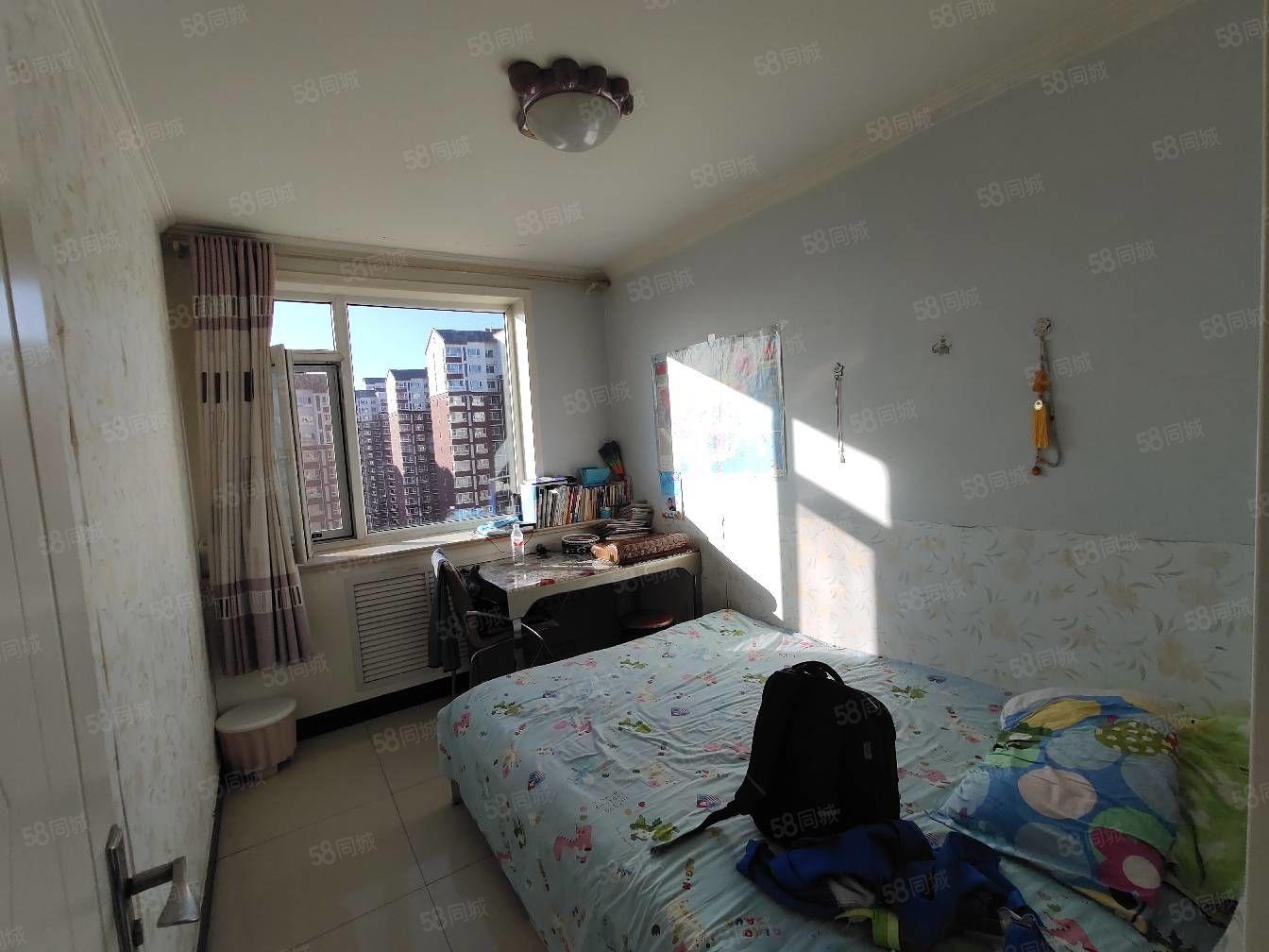 出售�M五唯一�梯房��r7500一平