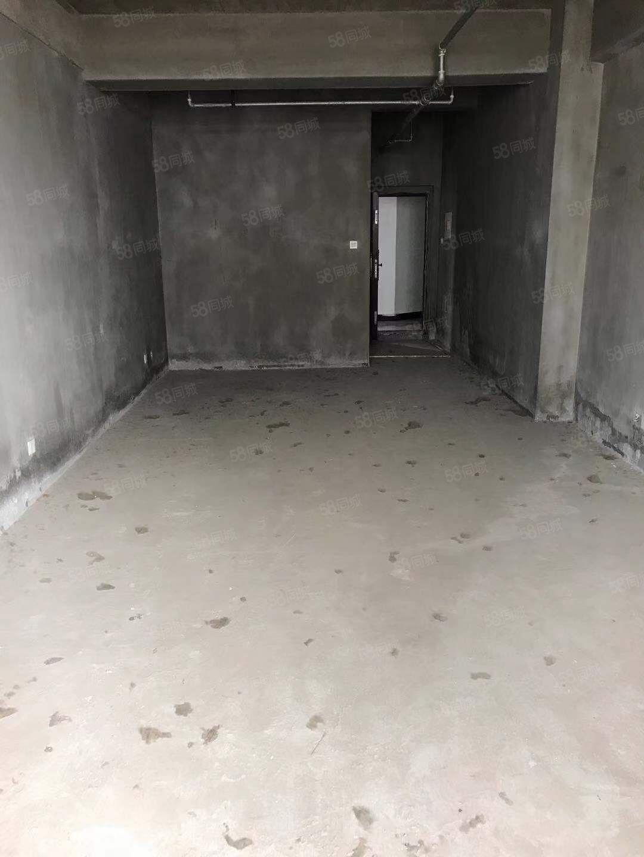 河畔花城单身公寓4楼纯毛坯姜堰学 区,