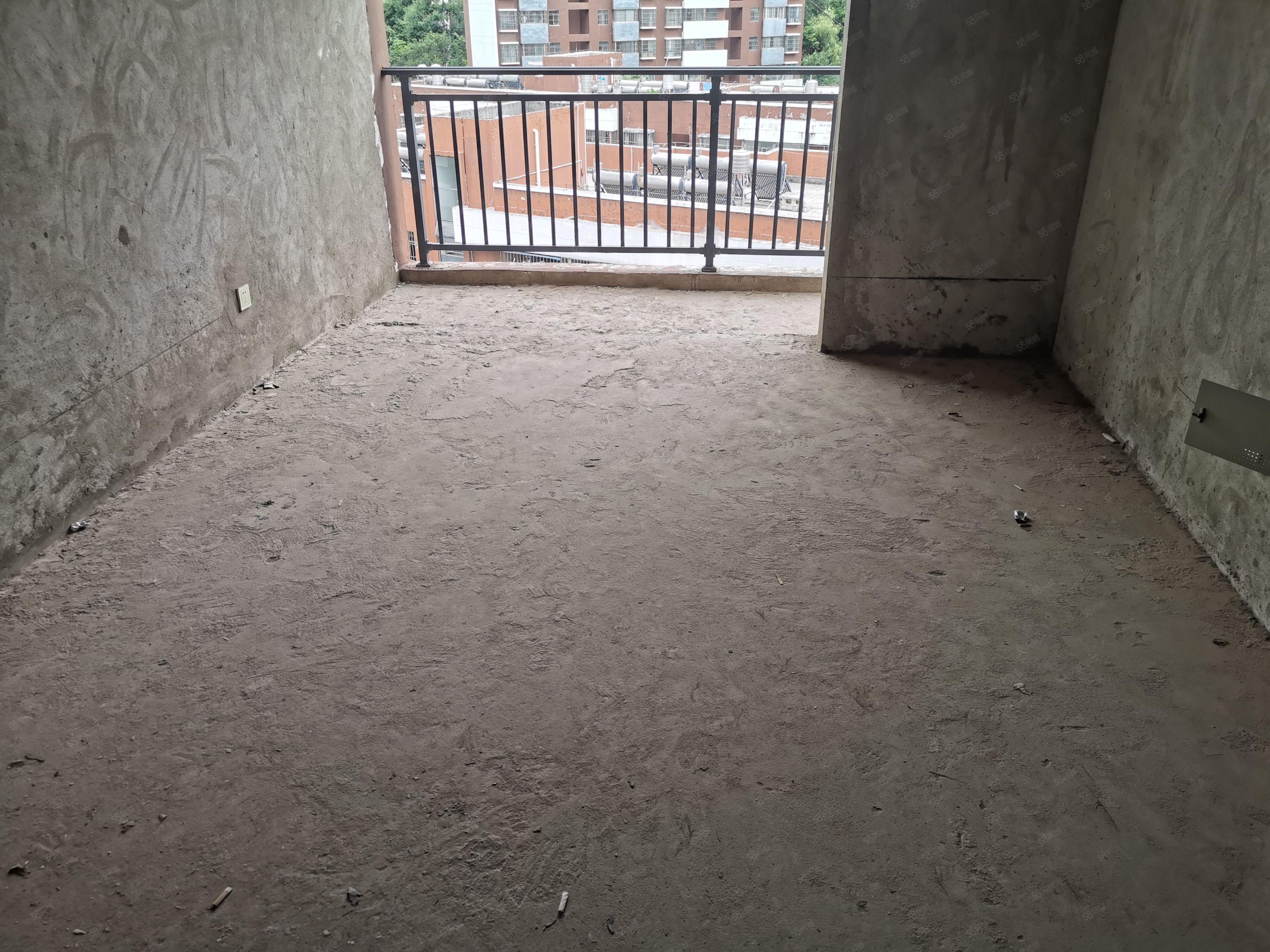 白云和园电梯房9楼出售一梯三户经典小户型证齐可贷款