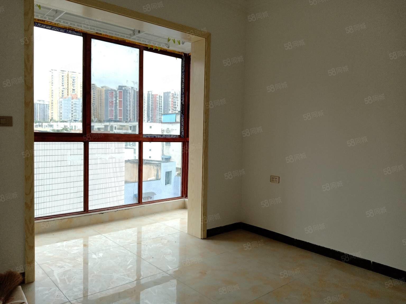 103景怡苑小区电梯中层全新精装房出售