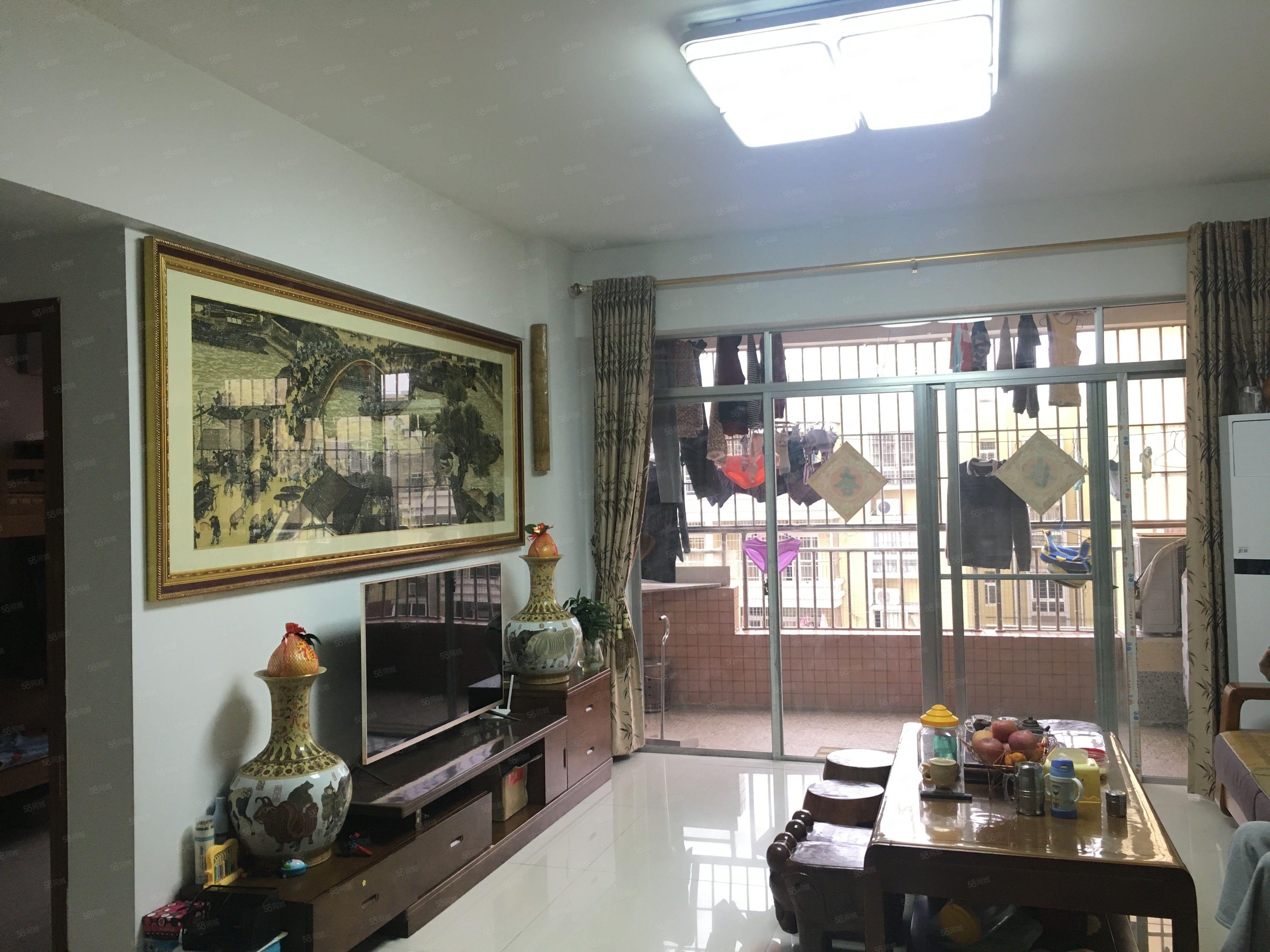 阳东官山小区108平方电梯中层装修新净3房拎包入住