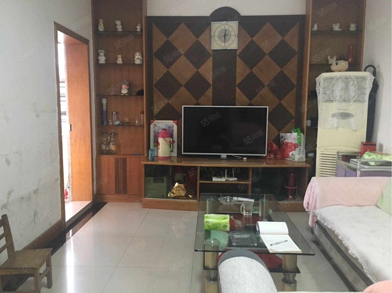 東苑小區2樓精裝,丟家電家具,96平,83.萬,送超大平臺