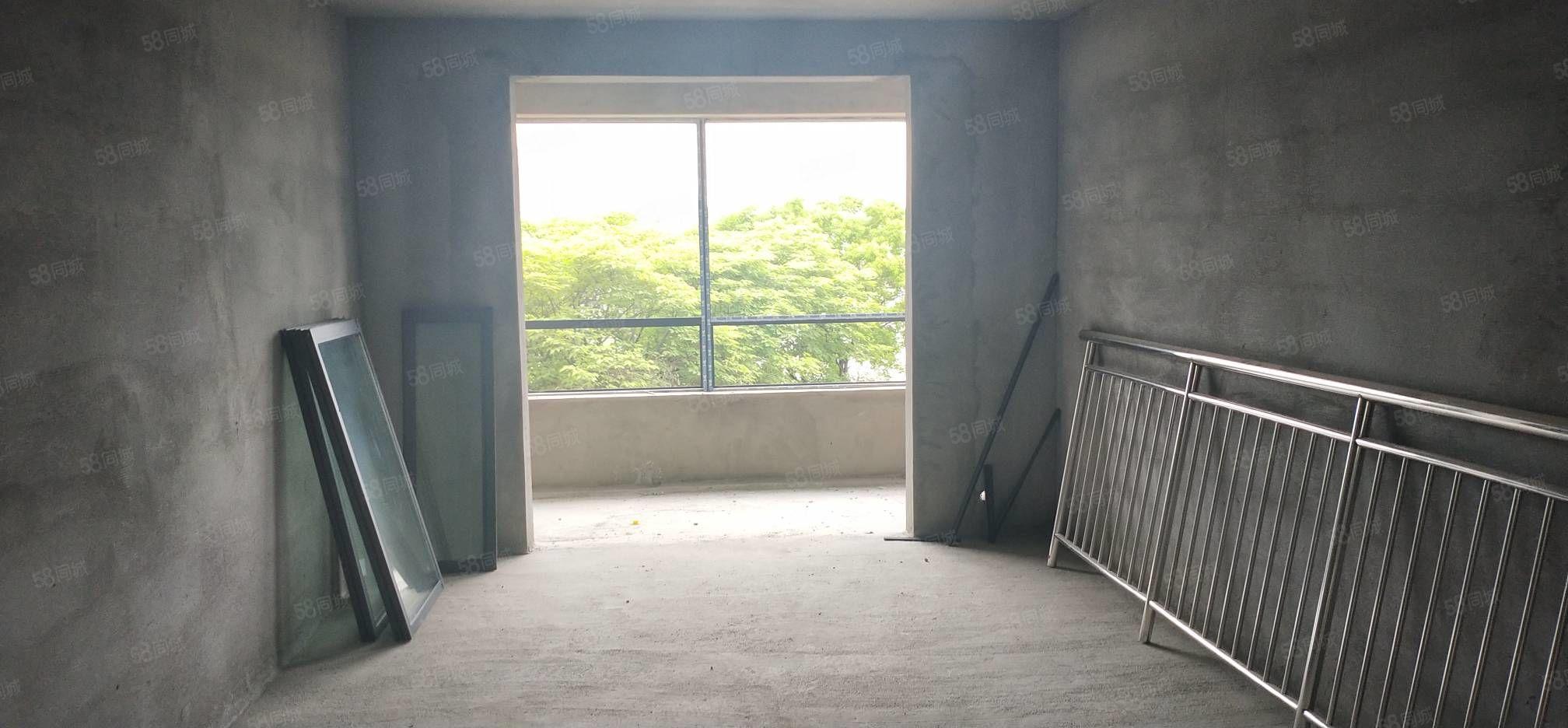 和諧錦都,三室兩廳,南北通透,采光很好,車位,報價78萬。
