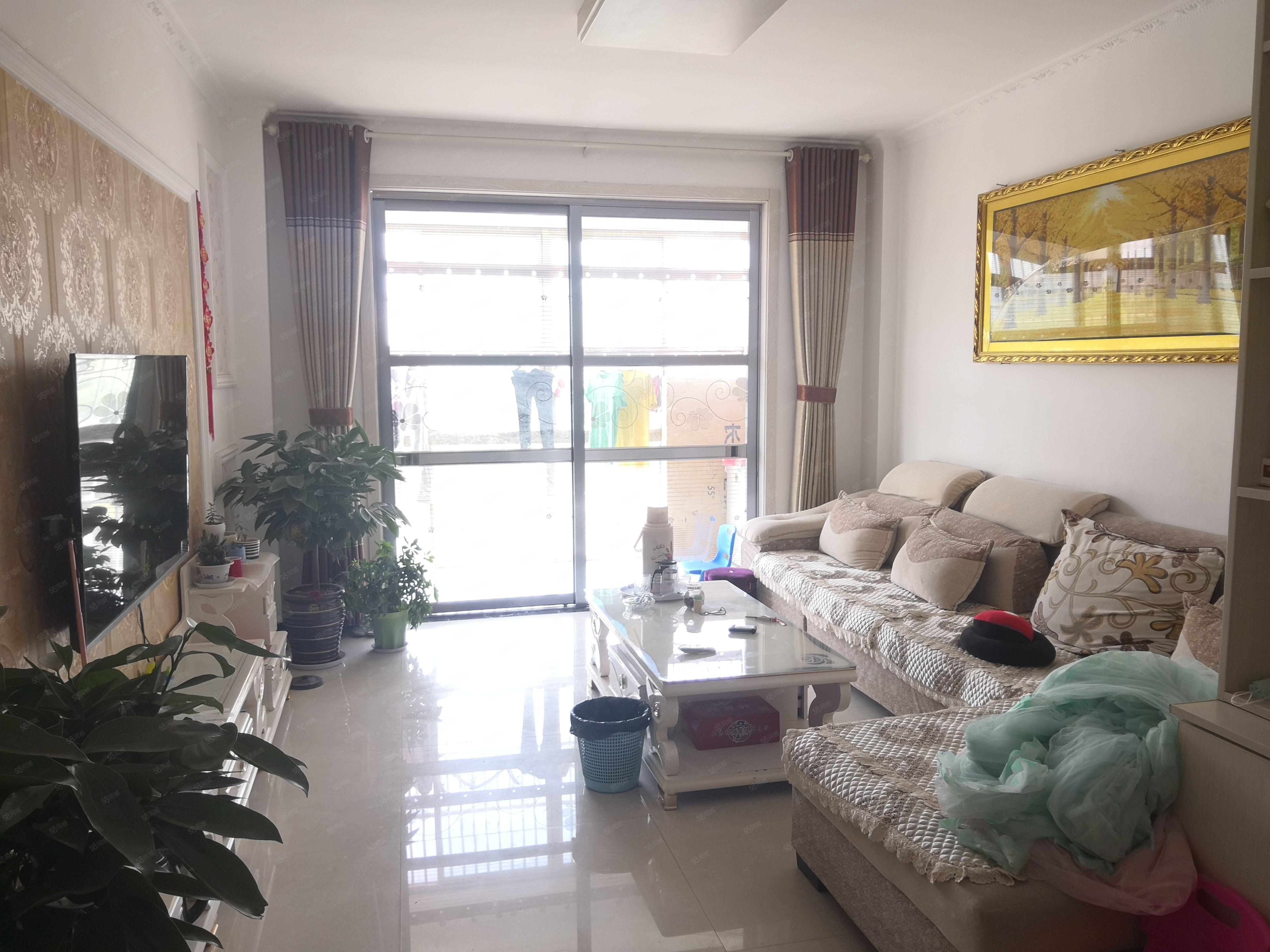 珠江豪庭租房三室精装修拎包即住啥都带看房方便随时联系
