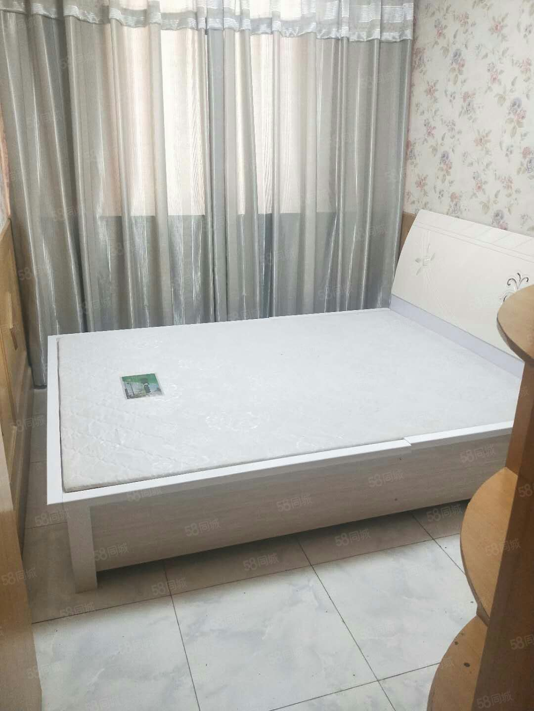 香港街東苑小區中裝單身公寓年付一萬二