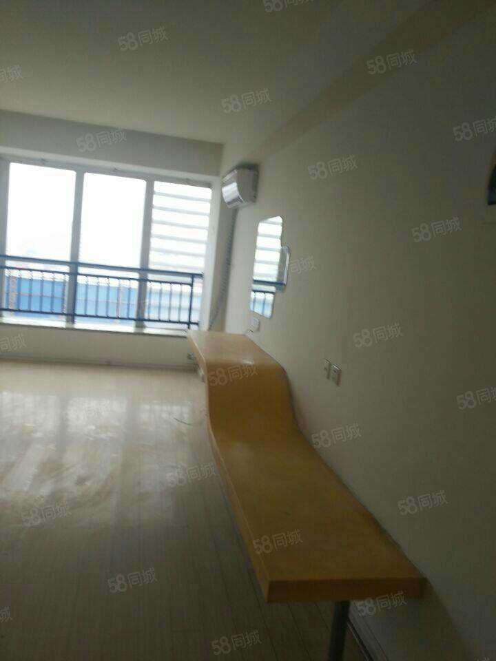 昌建快捷酒店,一室一厅,八楼南户采光好,三中片区房