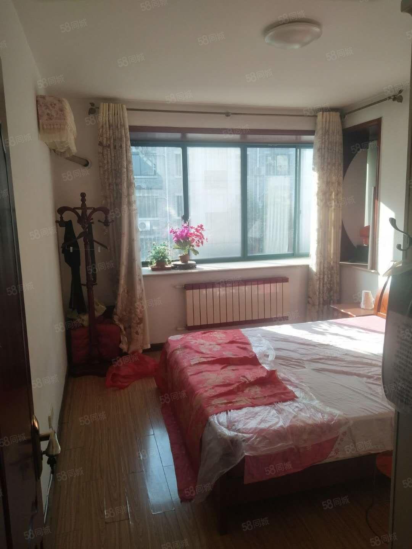 滨江多层2楼3室2厅送30多平方楼台车库另算15万