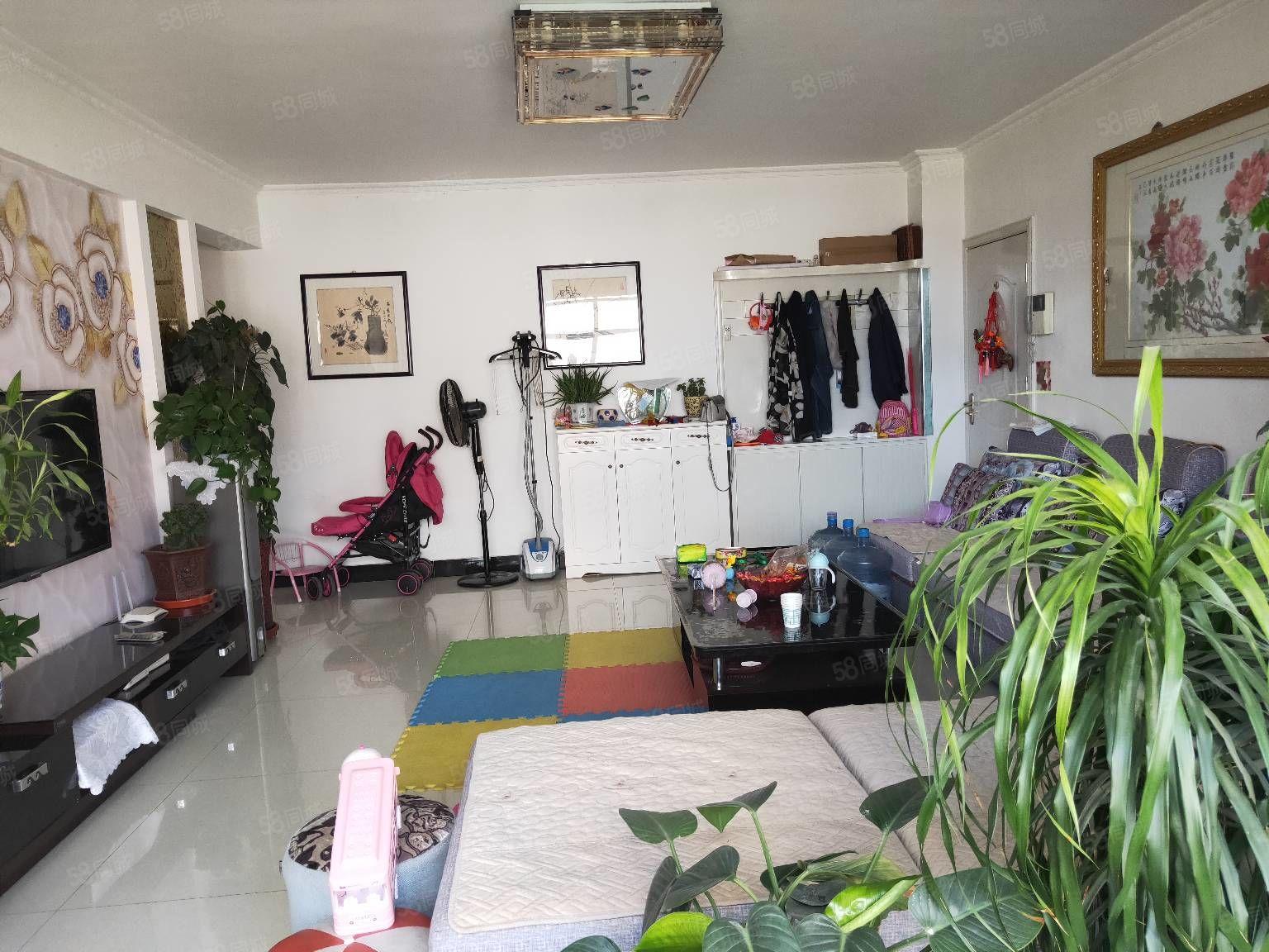 海天花园5楼106平米3室精装售57万元可小议价有证可贷款