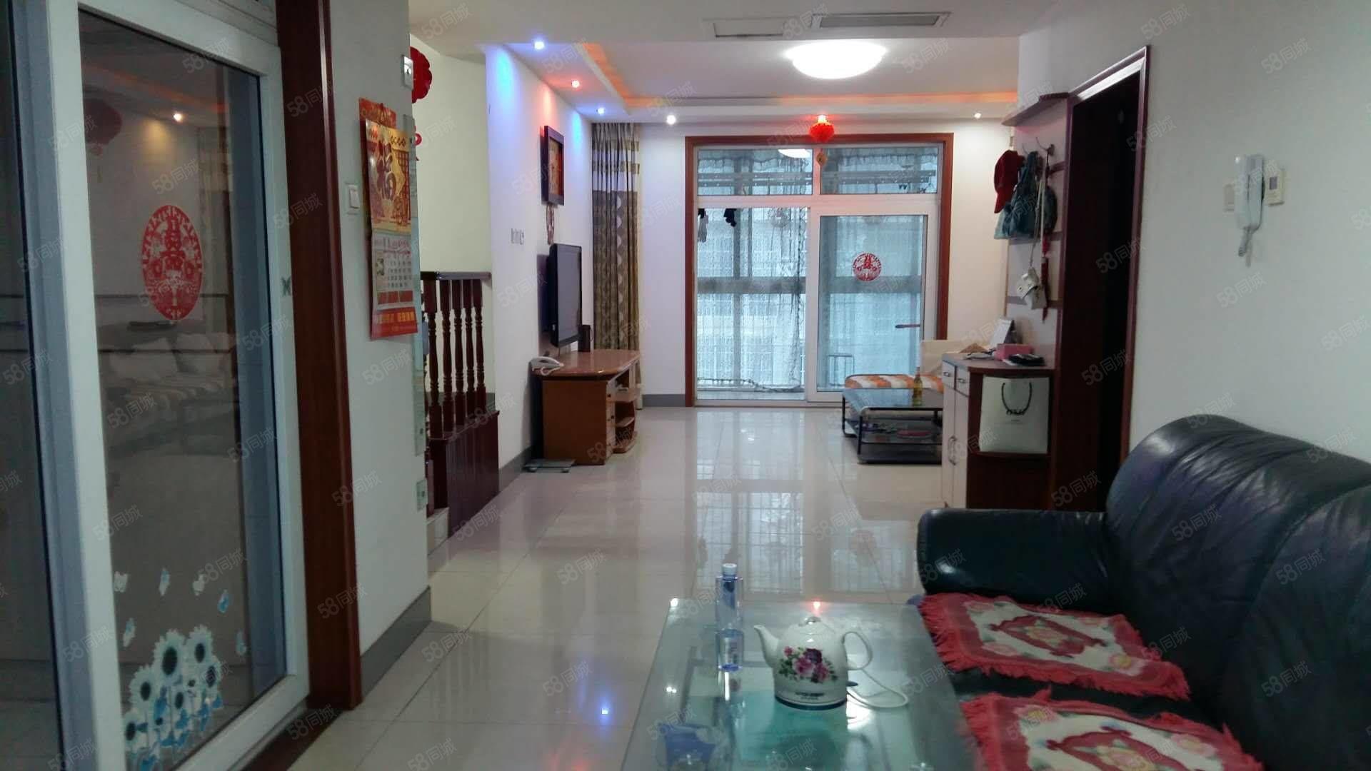 福祥丽景小区五楼143平,精装修,领包入住年租2万