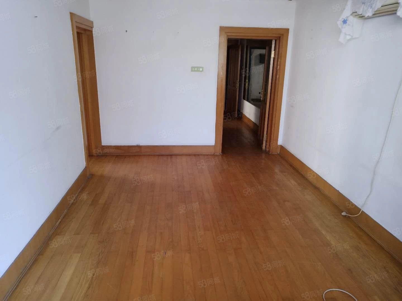 517售奥林园小区2楼老式装修23万价格可议