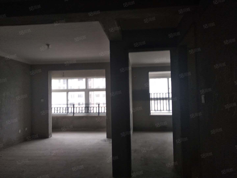 市政府旁天明城小区毛坯三房仅售60万全款改合同