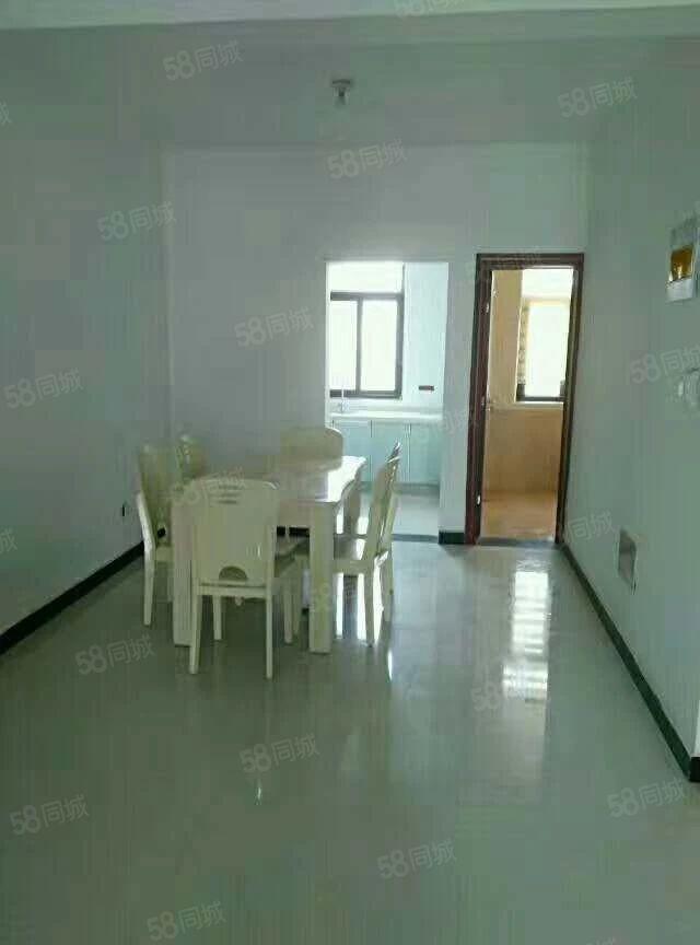 整租鼎华4室2厅2卫精装修拎包入住