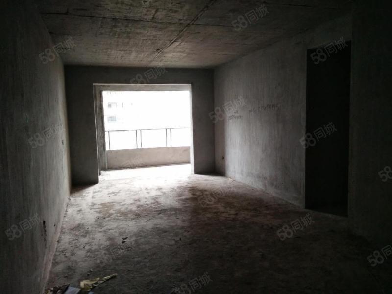 天虹商场官园学校江景房滨江一号品质小区毛坯3房