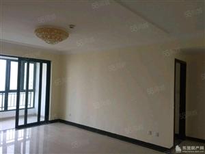 东城万达丽日一楼129平三室带车库带储藏室证满5年120万