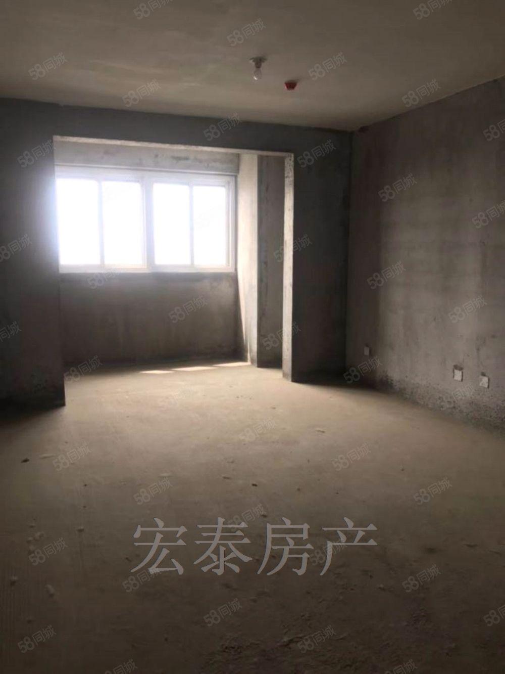 新漢城,毛坯3室2廳120平,64萬地理位置好