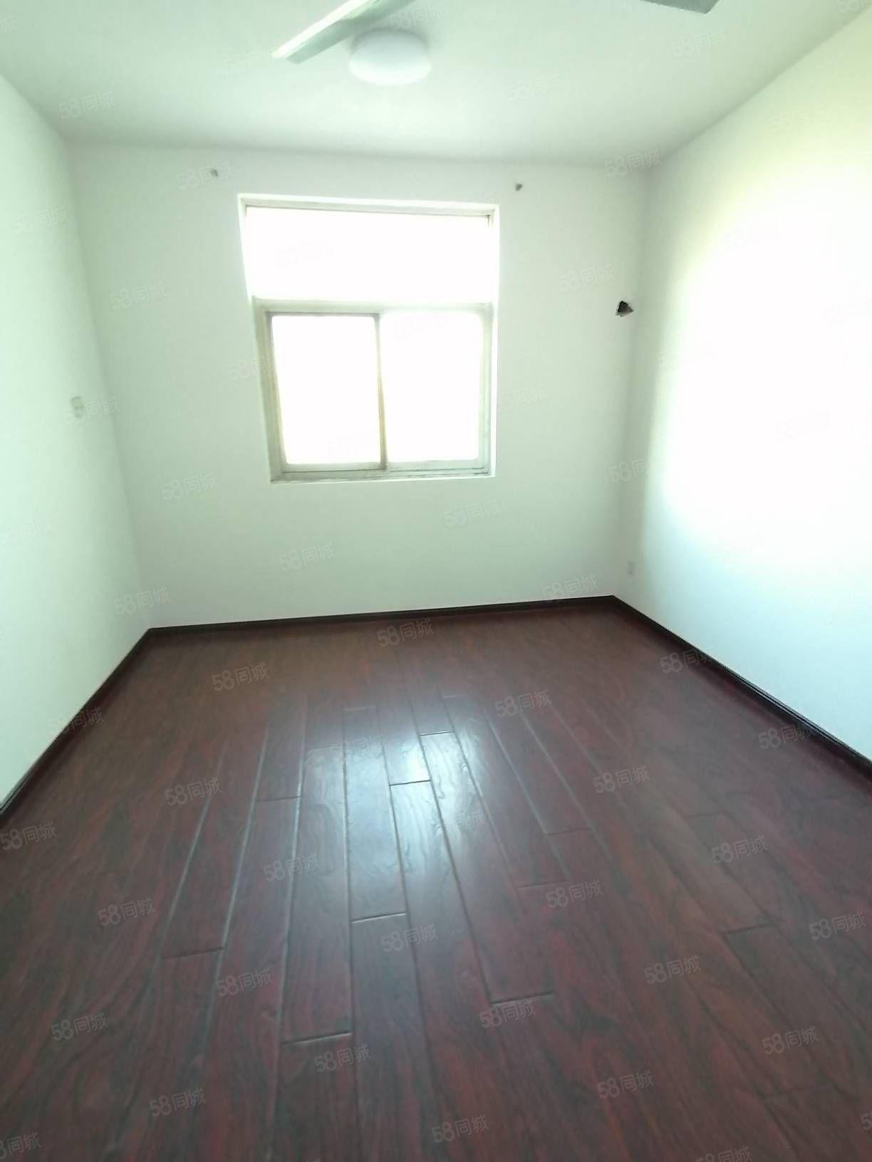 市区,实验中学旁老汽车站宿舍楼,十一中附近1000元一个月。